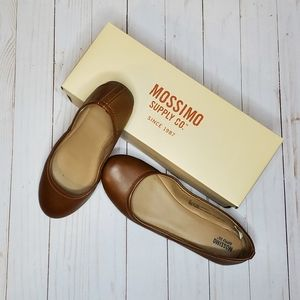 [PRICE FIRM] Mossimo Flats in Cognac